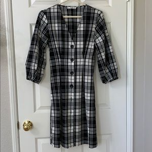 Black and White Plaid Dress w/ Puffy Sleeves